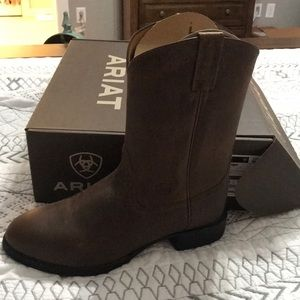 NWT men's Ariat boots size 10 EE